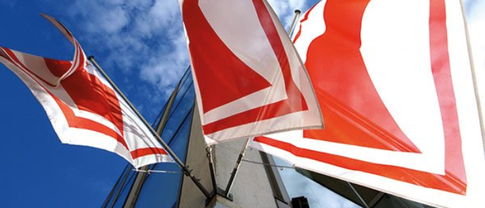 Mâts et accessoires pour des drapeaux parfaitement présentés
